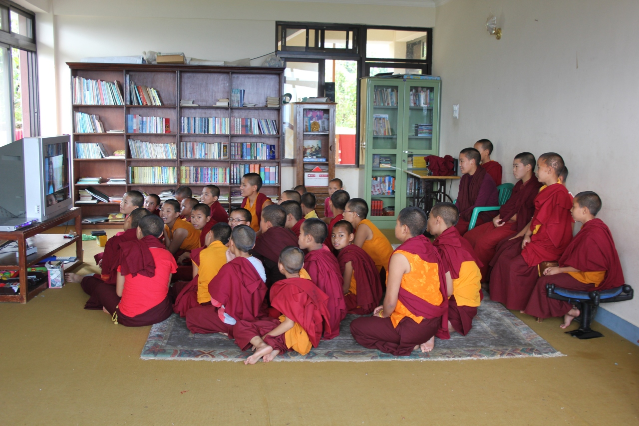 Nuns Welfare Fundation – Pharphing Nepal september 2010 Arya TaraSchool